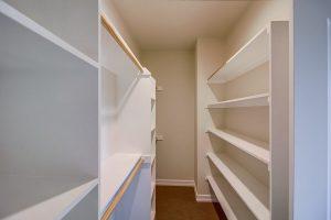 Cinta Azul Master Bedroom Closet